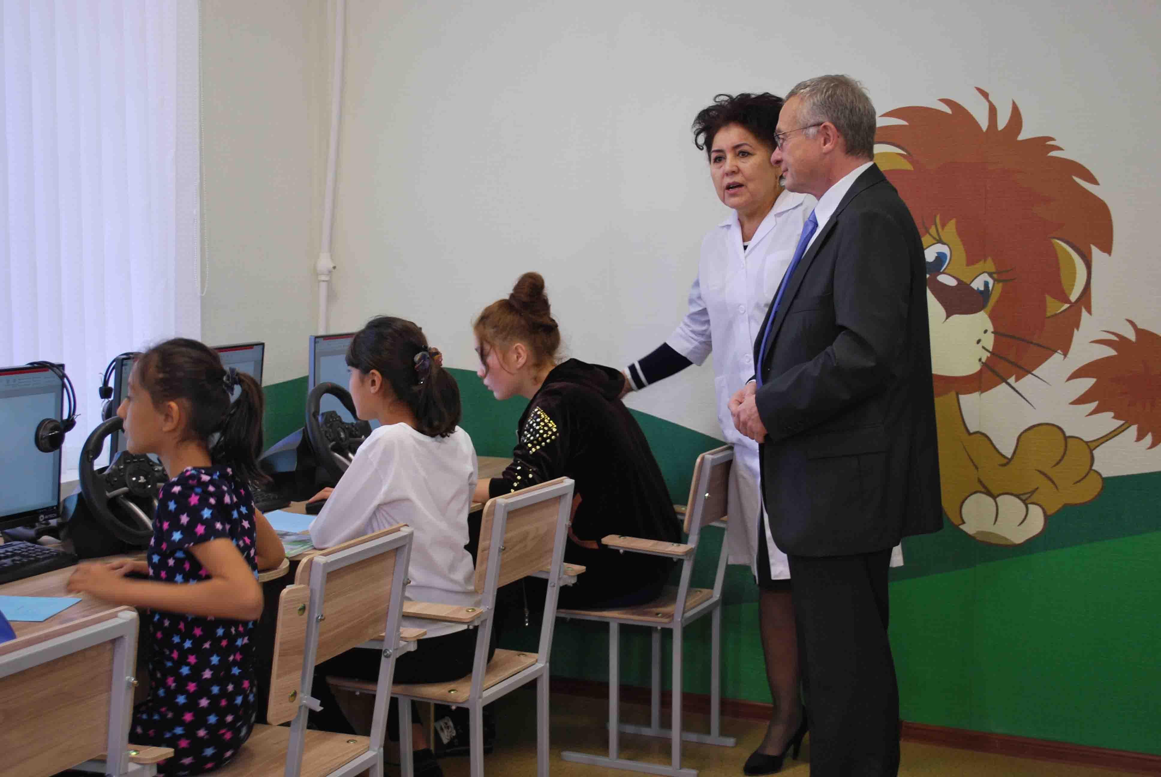 http://medicalexpress.ru/uploads/news/openning%20classroom/DSC_2483.jpg